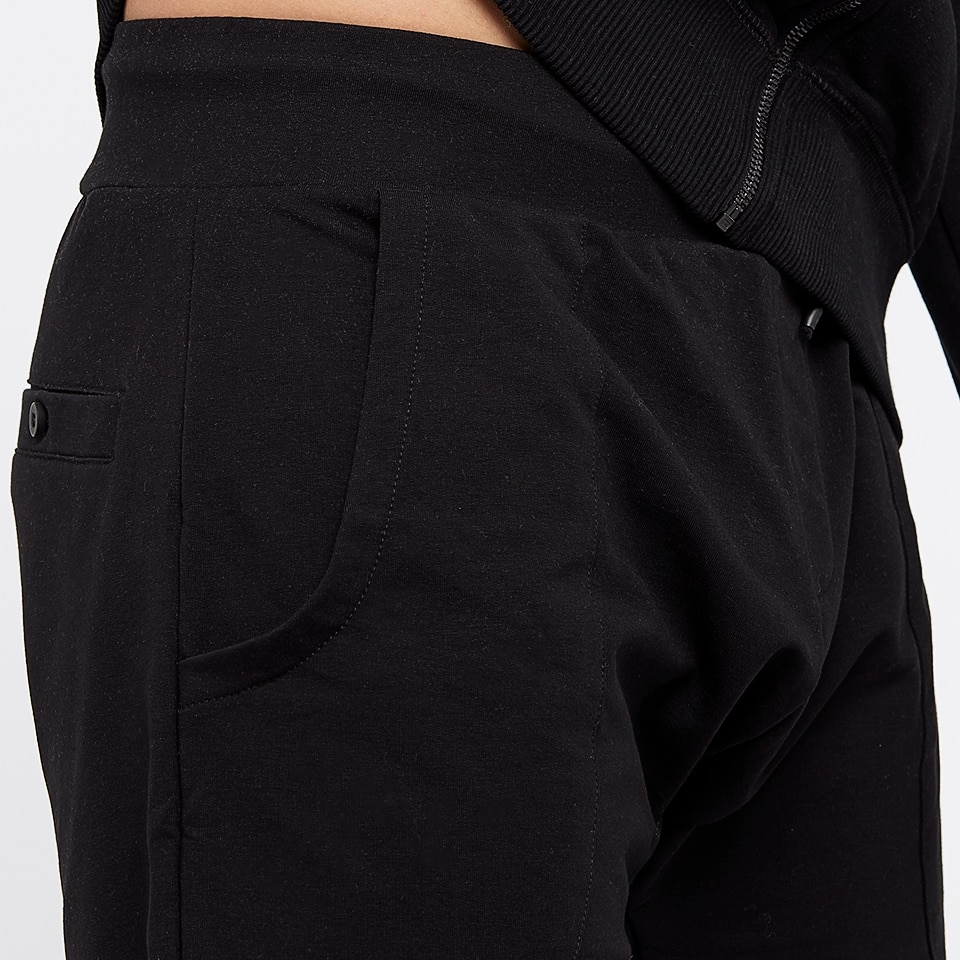 base mens short sweatpants - black